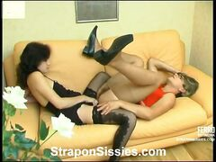 Cutie and sissy guy know the best way of the rest-time using her strap-on